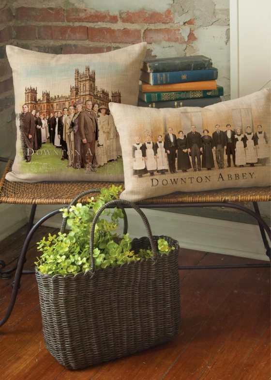 DowntonCast_PillowWovensHighclereAbbey3