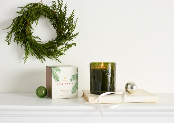 2017-Frasier-Fir-Heritage-Molded-Green-Glass-Candle